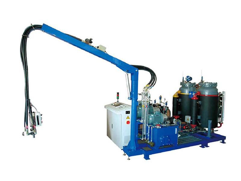 Cyclopentan-Spritzgießmaschine